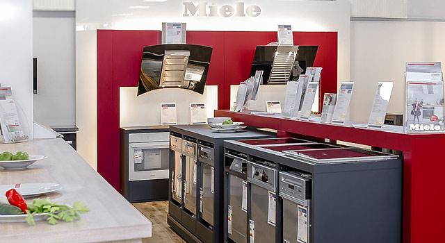 Küche herd backofen garer markengeräte gibt es bei deecke in celle ihr hausgeräte spezialist
